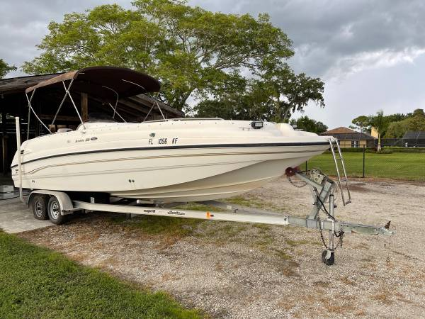 Photo 99 Chaparral Sunesta deck boat 330HP 5.7 crate engine 14 pass - $12,000