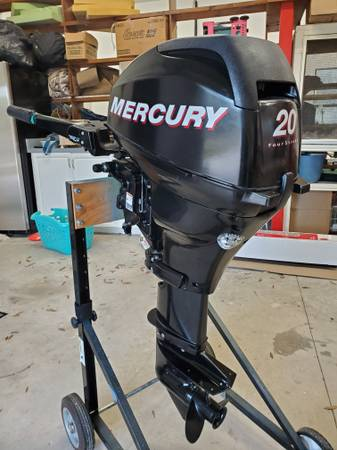 Photo Beautiful 20hp Mercury 4-stroke...low hours in fresh water - $1,850 (Bradenton)