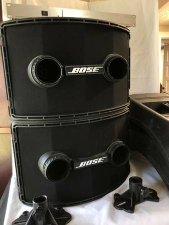 Photo Bose PA system 802 w controller and stands PLUS the 502 B Bass Beast - $700 (Venice)
