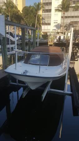 Photo Boston Whaler - $13,500 (Fort Myers Beach)