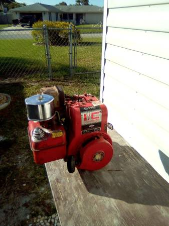 Photo Briggs and Stratton engine - $50 (Venice)