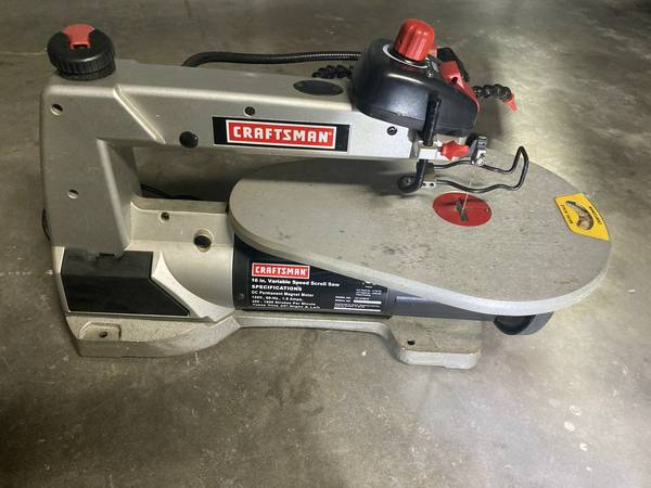 Photo Craftsman 16quot Variable Speed Scroll Saw - $65 (Venice)