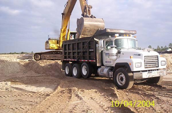 Photo Dirt Delivery - $300 (Punta Gorda)
