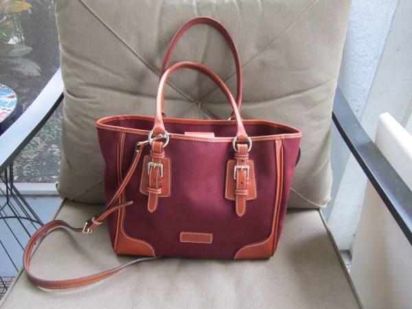 Photo Dooney and Bourke Handbag - $40 (North port)
