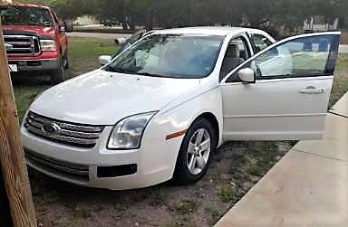 Photo FOR SALE Used White 2008 Ford Fusion - $3,000 (Sarasota)