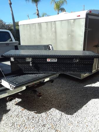 Photo Full size pick up Truck tool box - $135 (Bradenton)