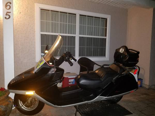 Photo HONDA 250 Helix Scooter 75 mph - $1500 (NORTH PORT)