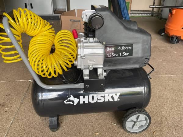 Photo Husky Air Compressor - $100 (North Port)
