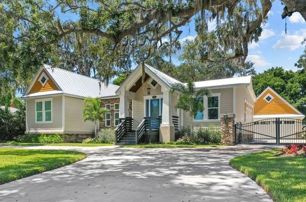 Photo It39s all about an amazing home and great location (PALMETTO, FL)