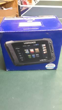 Photo Lowrance hds 7 gen 2 touch - $275