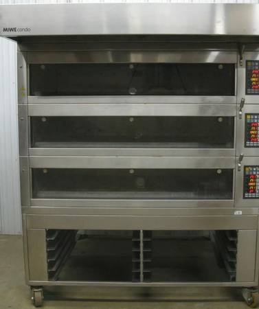 Photo Pizza oven electric triple deck - $2500 (Sarasota)
