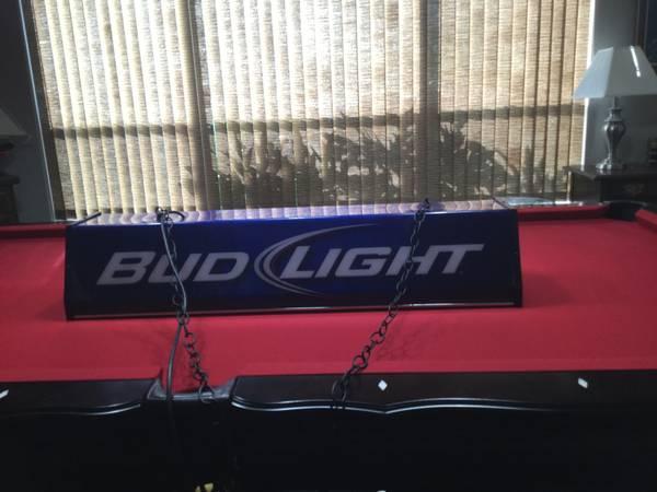 Photo Pool table game light Bud light - $100 (Bradenton)