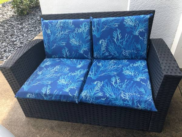 Photo Resin Wicker Style Outdoor Patio Furniture - Loveseat and Coffee Table - $300 (Arbor Lakes - Sarasota County)