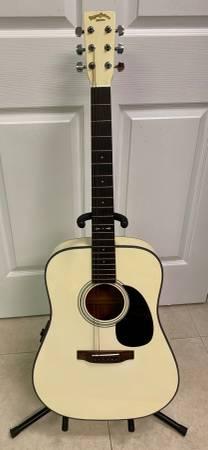 Photo SIGMA Martin Accoustic Electric Guitar Cream - $189 (Sarasota)