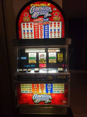 Photo SLOT MACHINE Double American Beauty slot machine with stand - $900 (Sarasota)