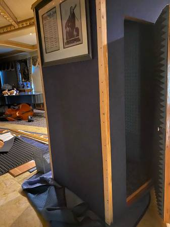 Photo Sound proof recording booth - $600 (Venice)