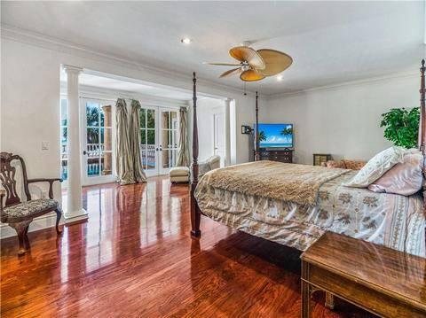 Photo THIS CUSTOM DESIGNED BAYFRONT POOL HOME (LONGBOAT KEY, FL)