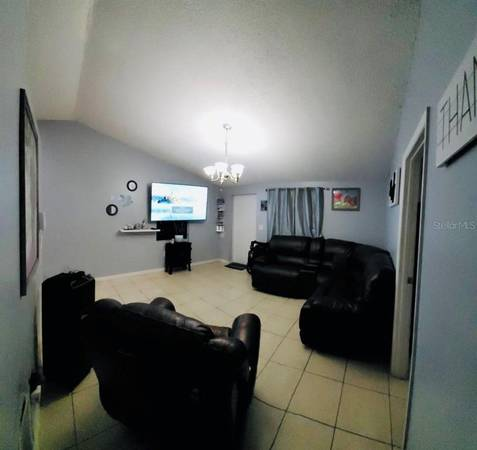 Photo The floor plan has been well though out and includes indoor laundry (BRADENTON, FL)