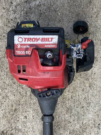 Photo Troy-bilt weed wacker 2 cycle weed eater weed trimmer for parts - $50 (Sarasota)