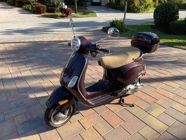 Photo Vespa LX150 For Sale - $1,500 (Longboat Key)