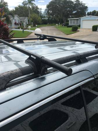 Photo Yakima Roof Rack System Lowrider Towers with 58 Crossbars and Endcaps - $115 (Ellenton)