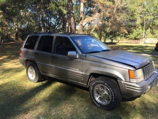 Photo 1997 Jeep Grand Cherokee 4.0 4x4 Whole Parts Vehicle $1000 OBO - $1,000 (Blackcreek)