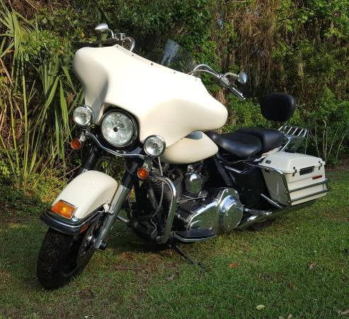 Photo 2007 Harley Davidson Road King - $8,500 (RICHMOND HILL)