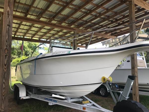Photo 2007 center console boat - $16,000