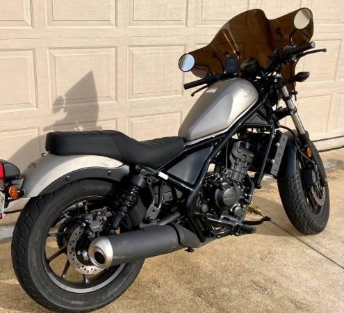 Photo 2018 Honda Rebel 300 - 200 miles - Garage kept - Great first bike - $5,900 (Southside Jacksonville FL)