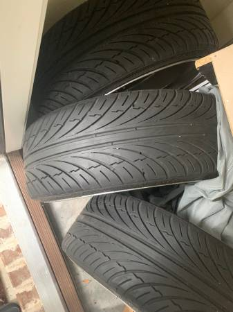 Photo 22 inch Chrome Rims and Tires - $500 (Pooler)