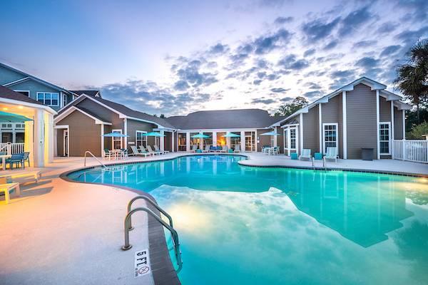Photo Amazing apartments at Amazing prices Olympus Fenwick (101 Fenwick Village Drive Savannah, GA)