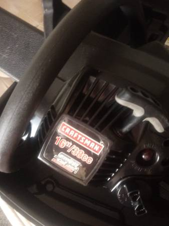 Photo Craftsman 16 Chainsaw with case for sale - $175 (Savannah)
