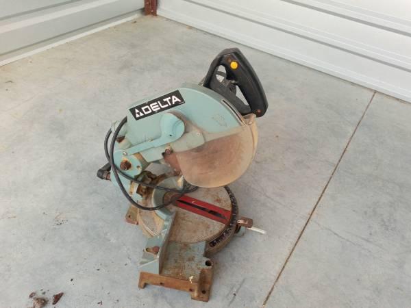 Photo Delta Miter Saw - $75 (Savannah)