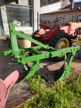Photo Double turn plow not John Deere - $400 (Ridgeland s c)