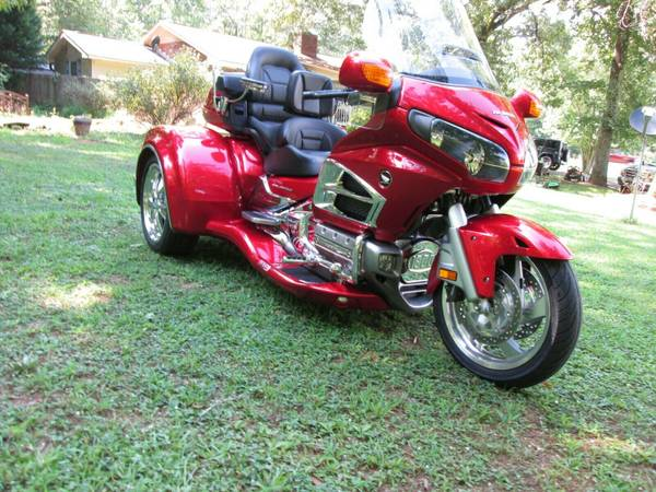 Photo HONDA GOLDWING GL 1800 W CSC VIPER TRIKE KIT CONVERSION - $28,500 (ROM,E,GA)