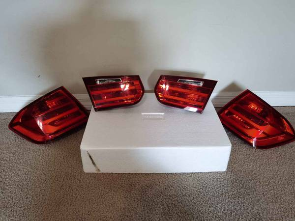 Photo OEM BMW F30 (2012-2015 328 and 335) Taillights - $120