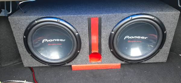 Photo Really nice awesome sounding dual 12quot box with subs Pioneer Ch Ed. - $175 (Southside Savannah)