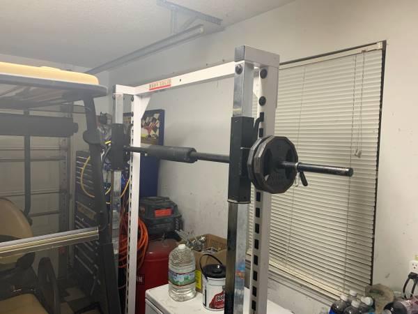 Photo Squat rack Smith machine - $275 (Rincon)