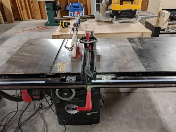 Photo Table Saw - SawStop PCS31230-TGP252 3-HP Professional Cabinet Saw - $2500 (Springfield)