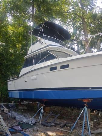 Photo Trojan 32 Flybridge - $3,800 (Savannah)