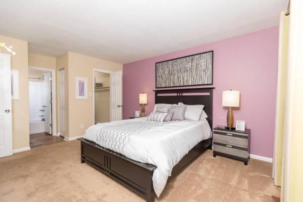 Photo Very Spacious 1  2 Bedroom Apartment Homes (Savannah)