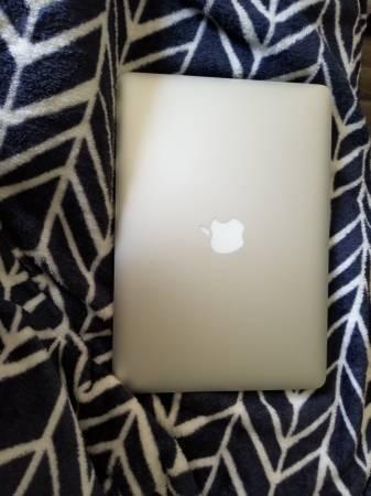 Photo 1339 MacBook Air - $700 (Rapid City, SD)