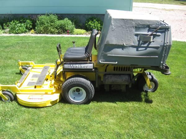 Photo 2001 WALKER zero turn 26 hp efi MT GHS mower - $2,000 (Alliance)