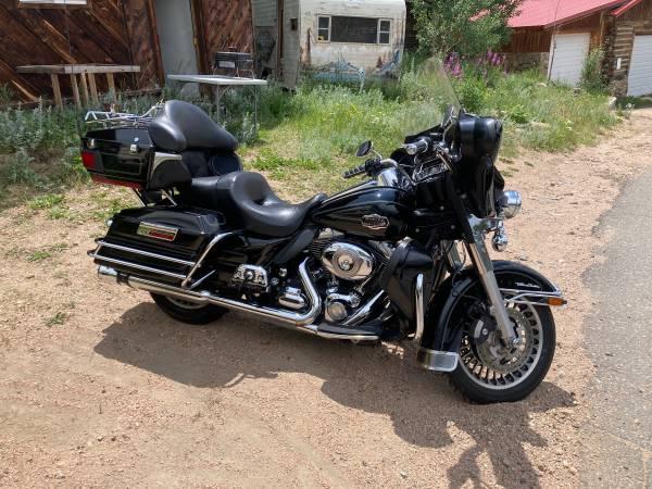 Photo 2010 Harley Electriglide Ultra Classic - $12,000 (Ward)
