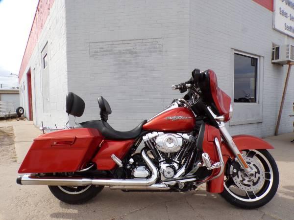 Photo 2011 Harley Davidson Street Glide - $11,995 (Mikes Bikes Gering Nee)
