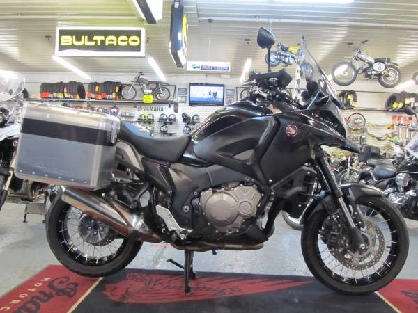 Photo 2016 Honda VFR1200X ABS (Steeles Cycle Buy,Sell,Trade,Consign) - $9,899 (Englewood)