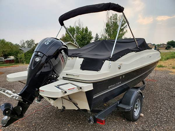 Photo 2017 Bayliner Deck Boat 190 with Fish Package One Owner - $36,000 (Firestone)