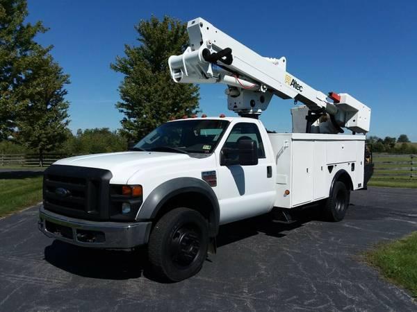 Photo 4539 2008 Ford F550 Diesel 4x4 Material Handling Bucket Boom Lift Truck - $39,900