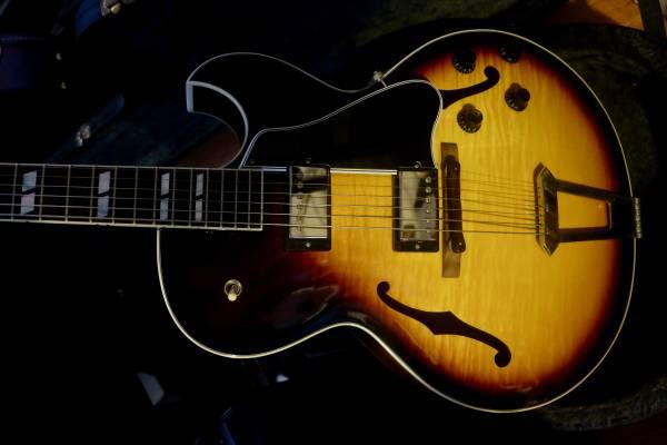 Photo Gibson ES-175 - $3,800 (Cap hill)