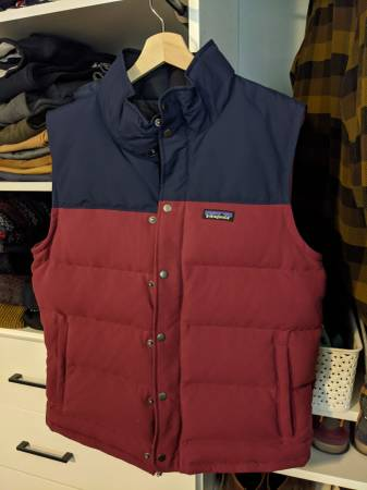 Photo Patagonia Men39s Bivy Down Vest size medium - $70 (Wheat Ridge)